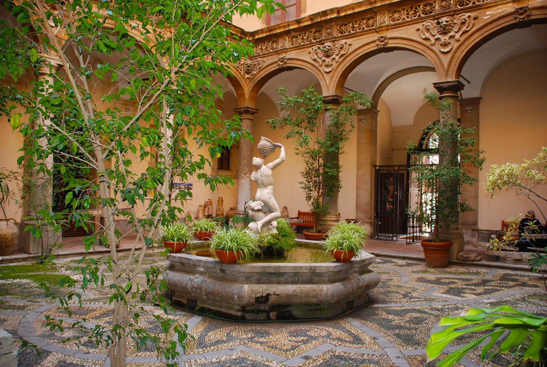 Hispaania tuupiline patio
